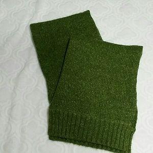 BCBGMAXAZRIA knit scarf